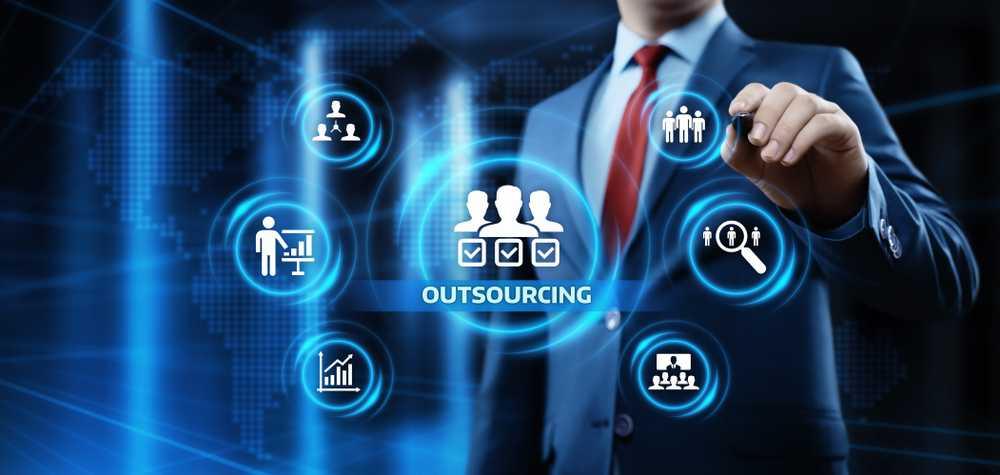 software development outsourcing risks